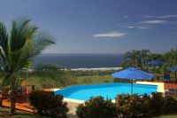 Stunning birds eye views of the coastline and Pacific in a private setting.