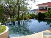 Side pool at Los Almendros de Ocotal