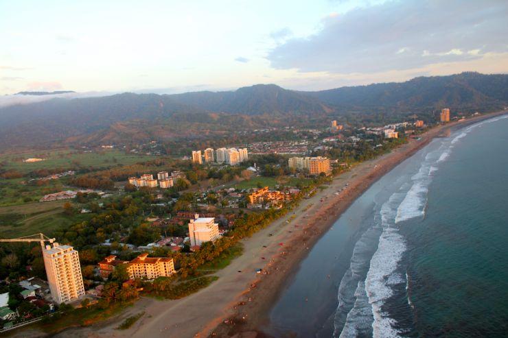 ¿Qué país no visitarías nunca? - Página 2 Full-jaco-beach-from-high