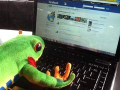 Javi the Frog Updating Facebook