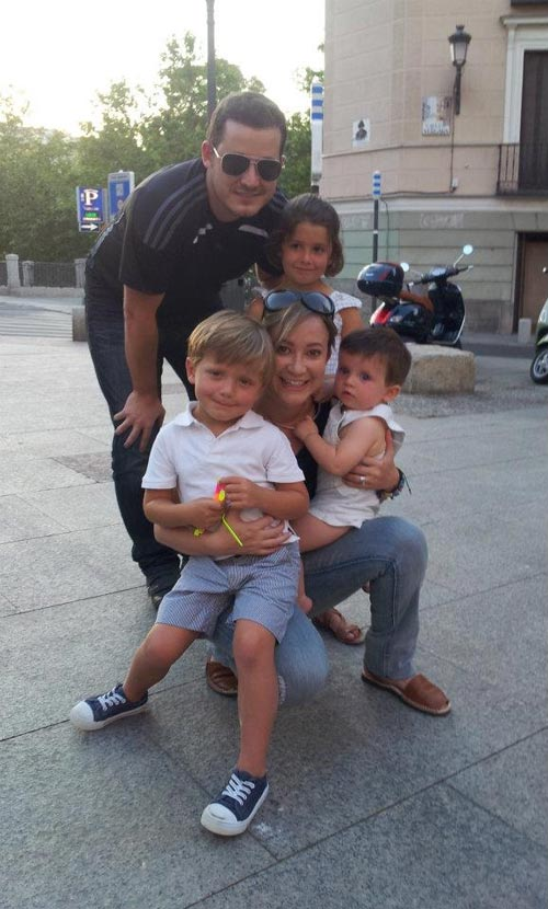 Daniela & Javier in Spain with family