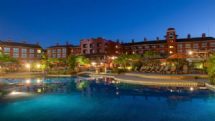 Los Sueños Marriott Ocean & Golf Resort pool at night